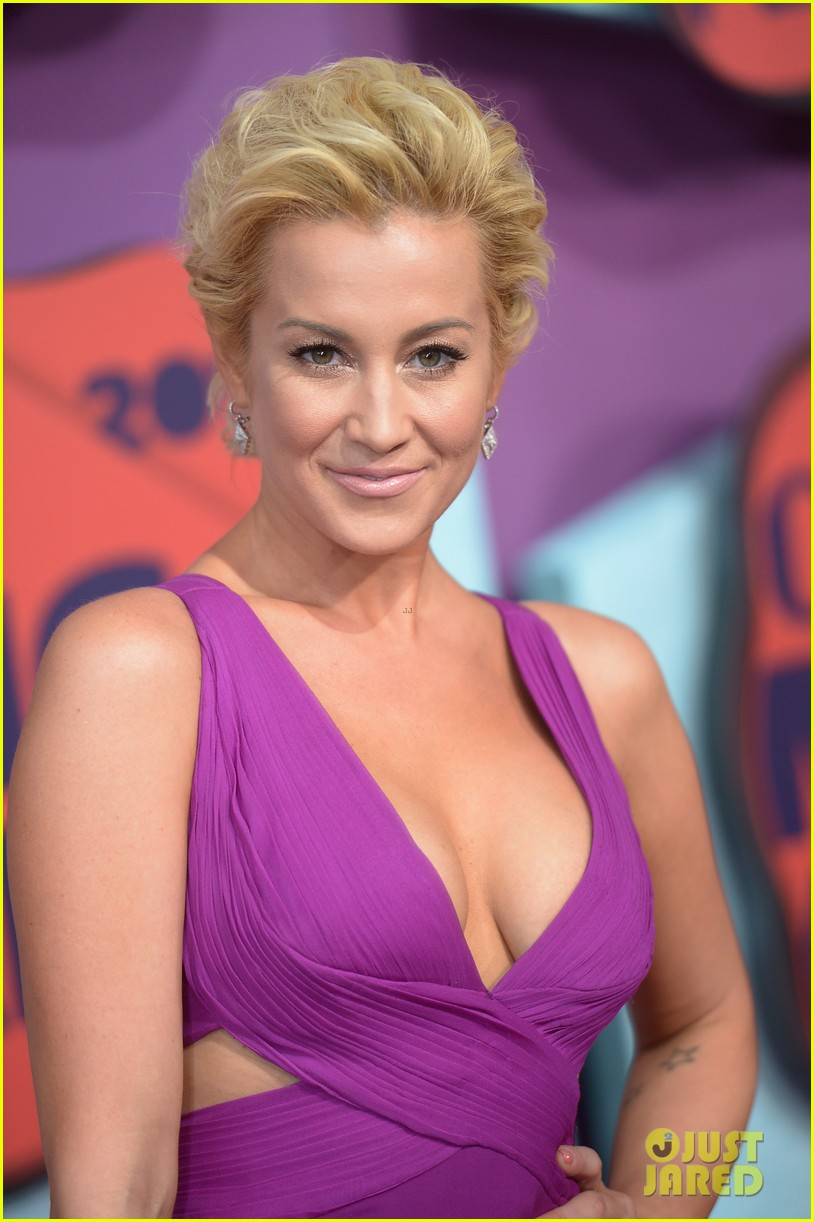 Kellie Pickler on the red carpet at the 2014 CMT Music Awards held at