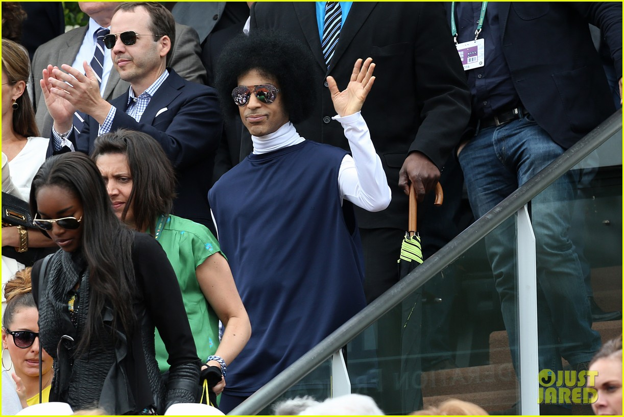 prince holds court with his sceptor at the french open 113126478