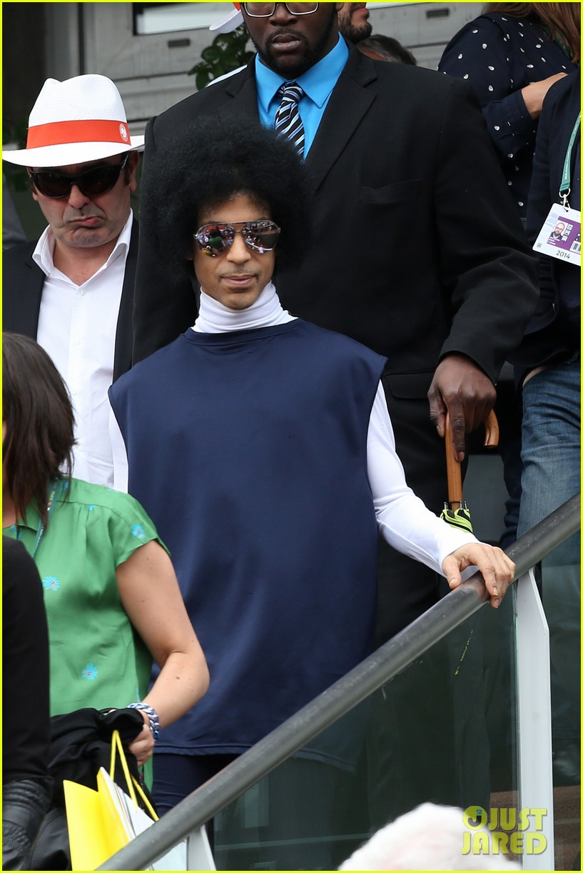 prince holds court with his sceptor at the french open 173126484