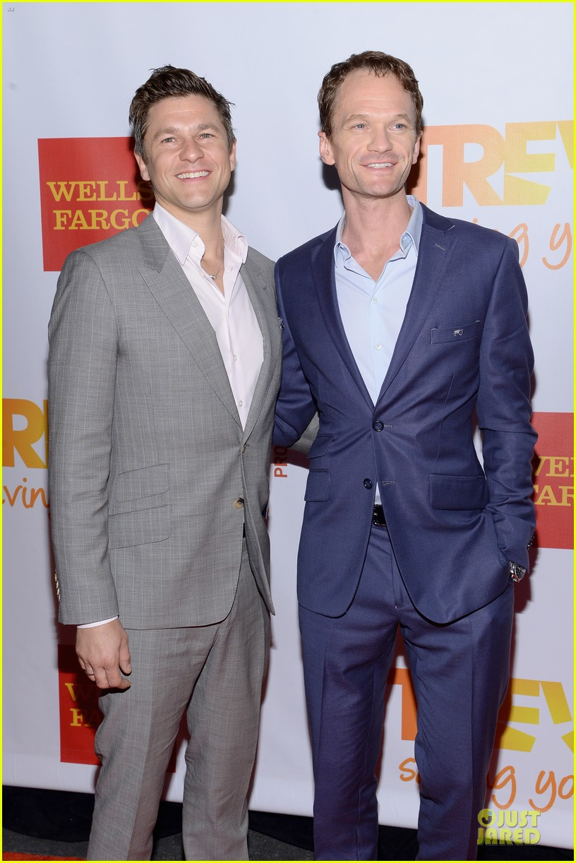 zachary quinto neil patrick harris help lgbtq youth 093136864