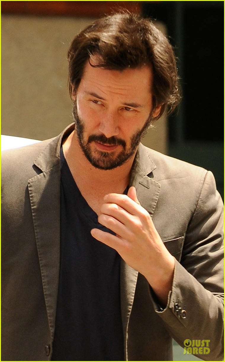 keanu reeves set to present at guys choice awards 02