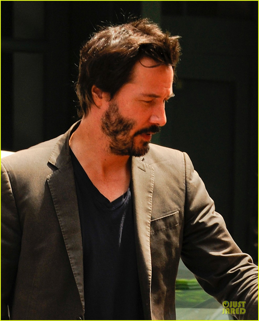 keanu reeves set to present at guys choice awards 043130182
