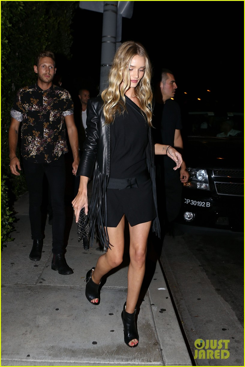 rosie huntington whiteley calvin harris have dinner together 08