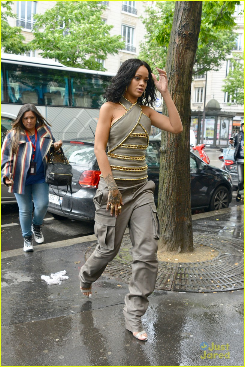 see how rihanna sheer dress was made 19