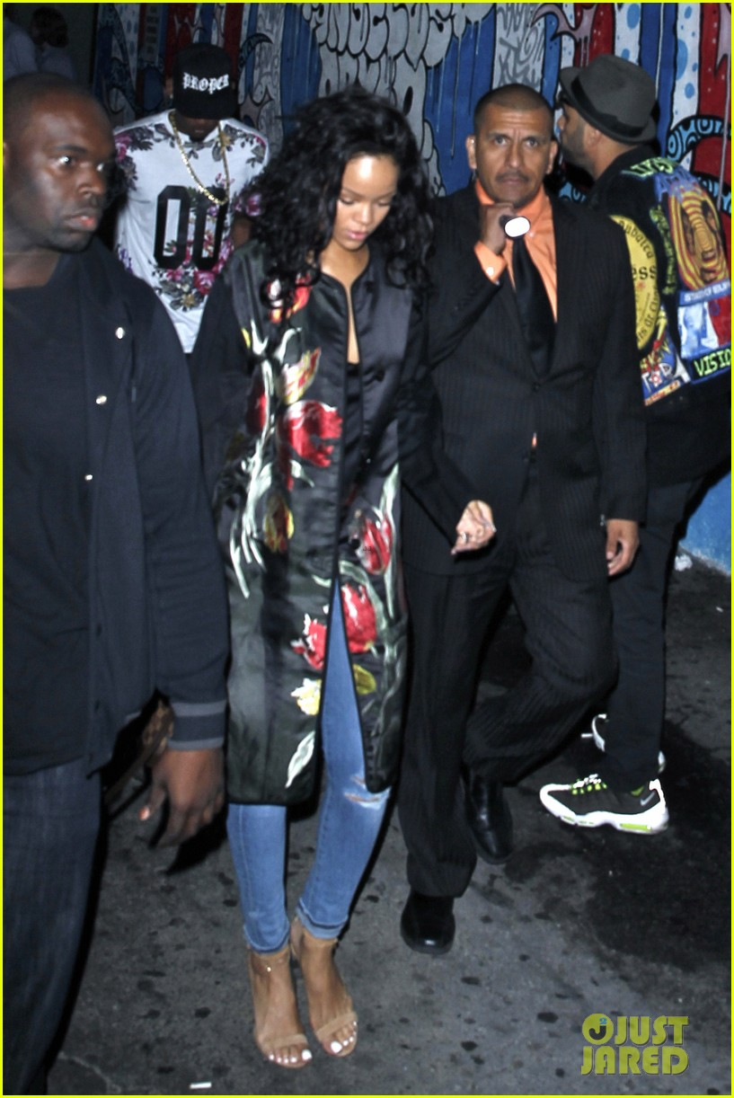 rihanna parties at playhouse 06
