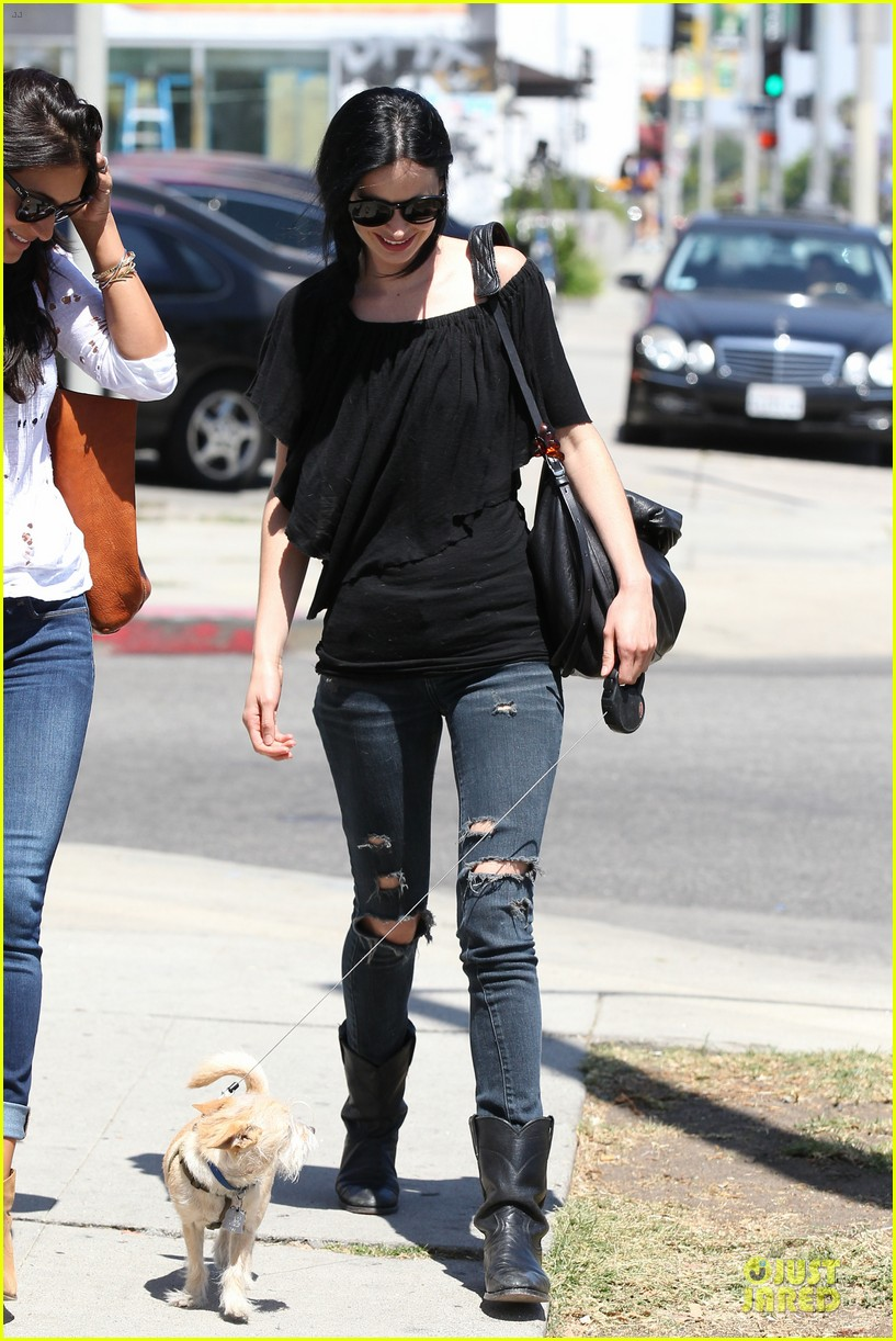 krysten ritter lovely buddy in her life 233127873
