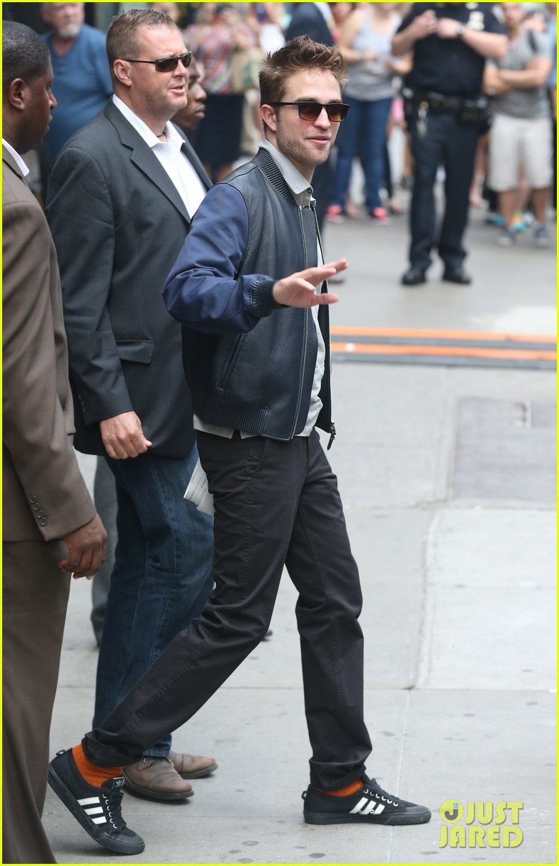 robert pattinson the rover good morning america 05