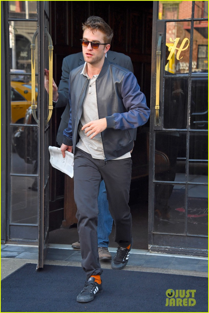 robert pattinson the rover good morning america 08