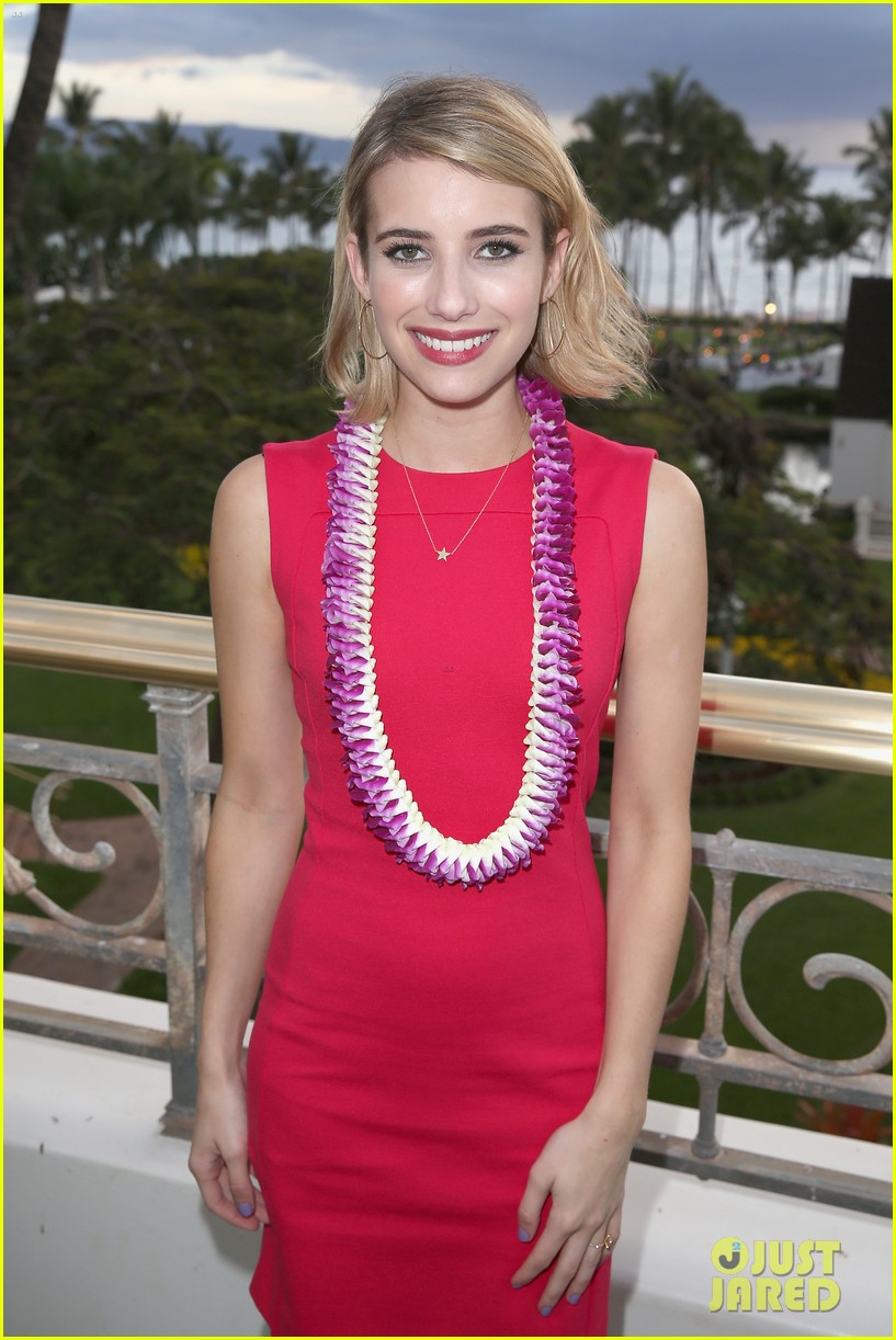emma roberts wins shining star awards maui film festival 053129738
