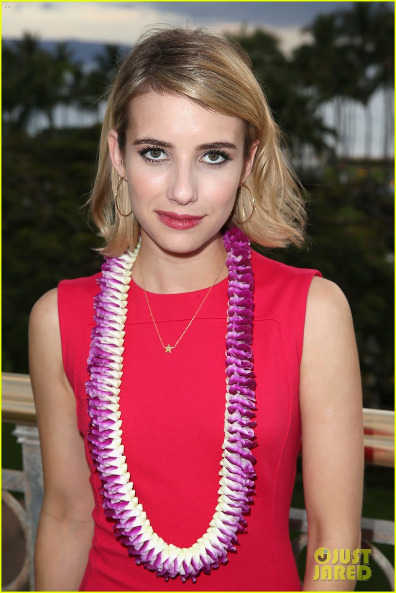emma roberts wins shining star awards maui film festival 09