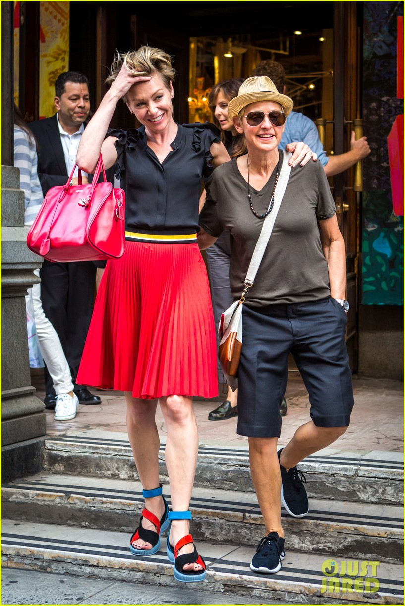 ellen degeneres portia de rossi hold hands tracy morgan 06