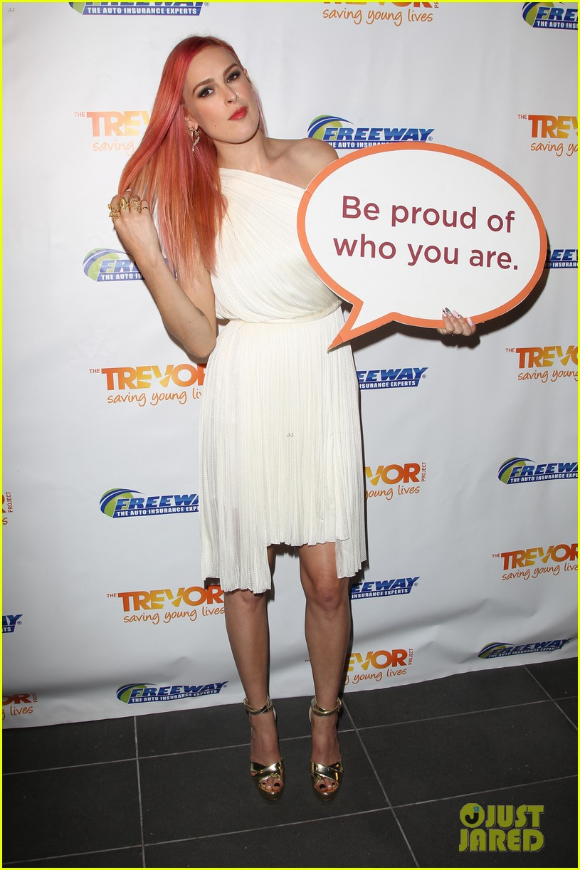 rumer willis performs trevor project prom 2014 09