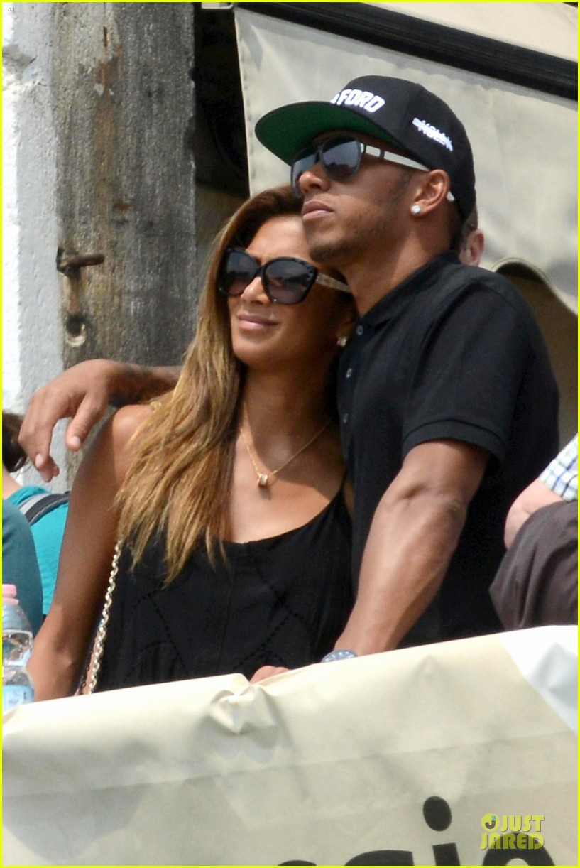 nicole scherzinger lewis hamilton look more in love 13