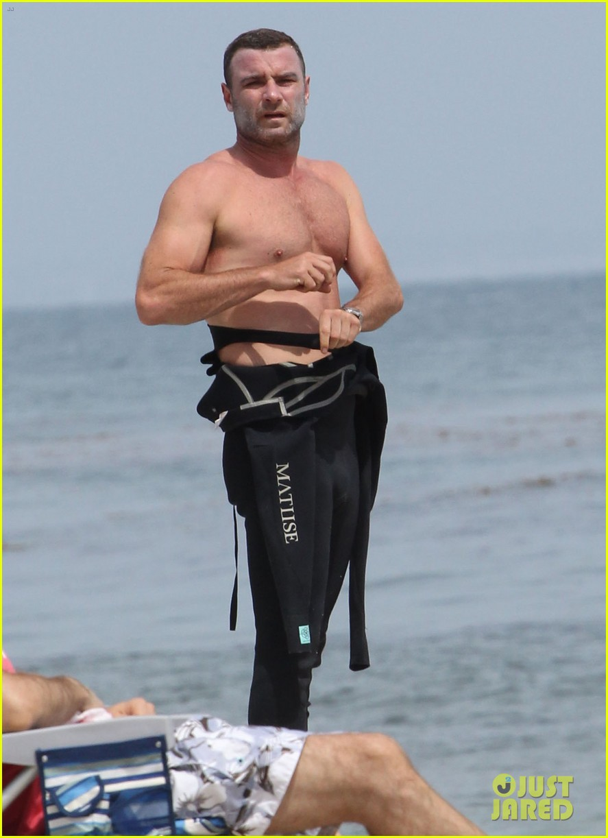 liev schreiber legs complimented by ang lee 013141709