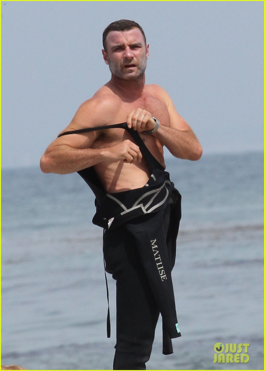 liev schreiber legs complimented by ang lee 04