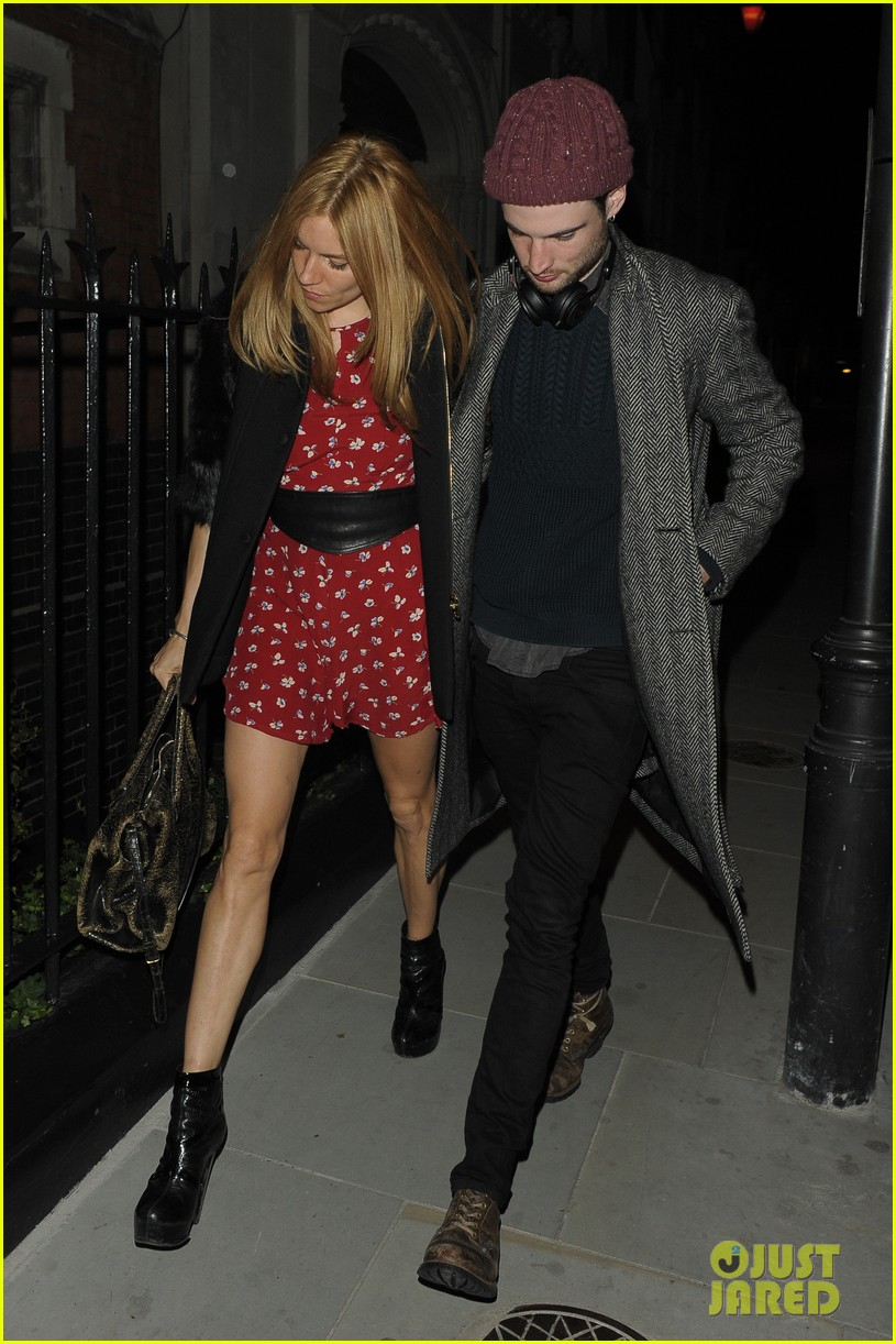 sienna miller tom sturridge date night in london 02