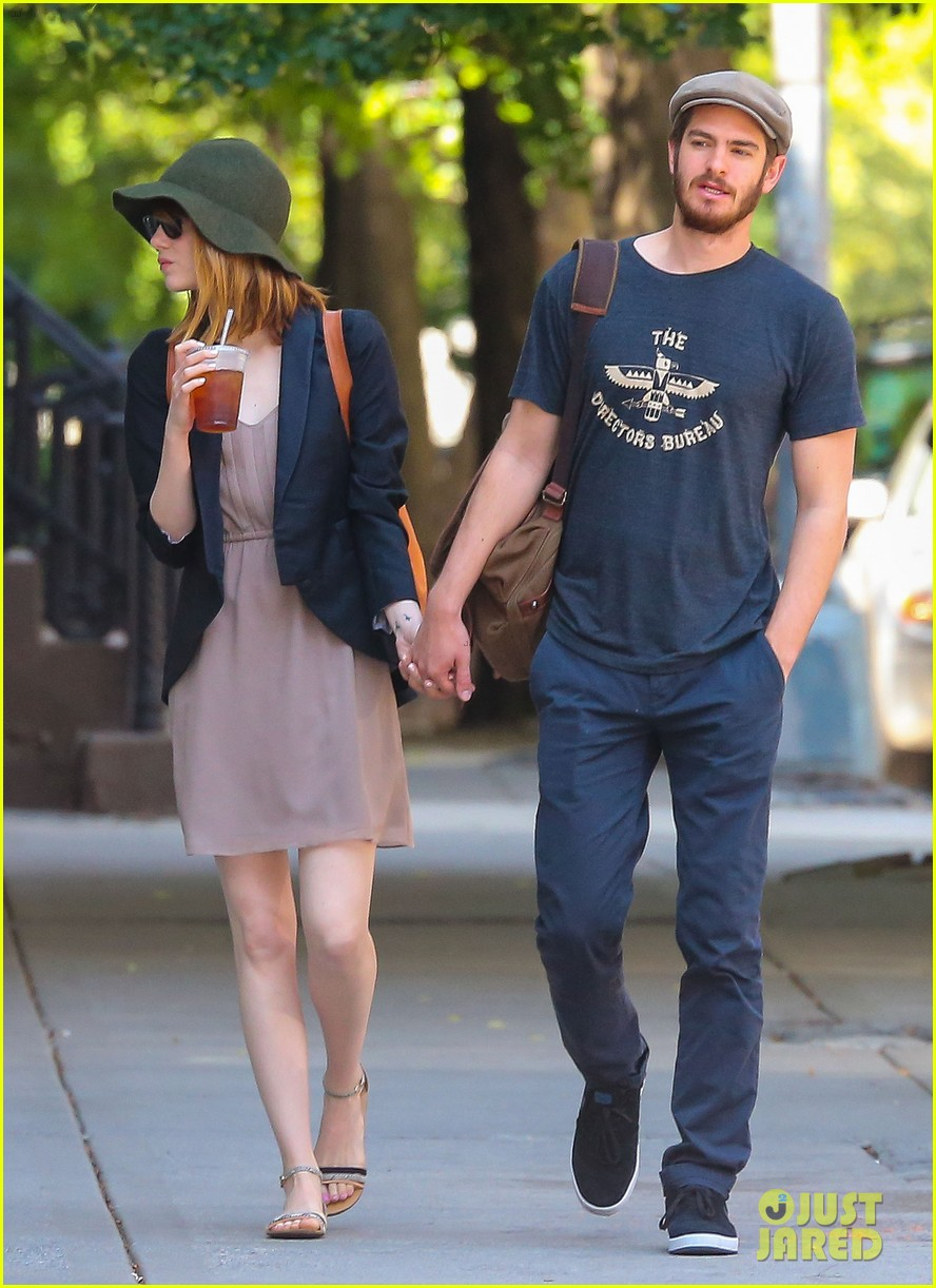 emma stone andrew garfield hold hands new york 103136565