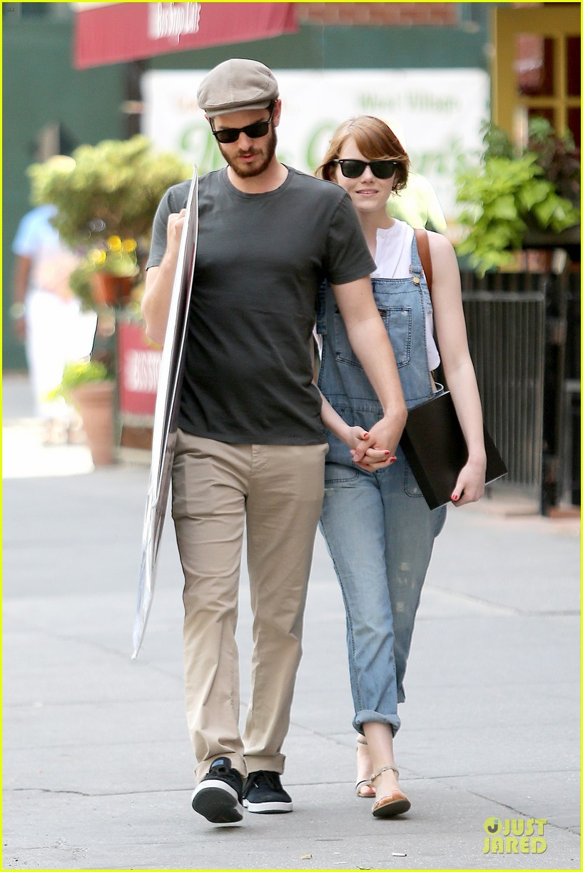 emma stone looks trendy in overalls andrew garfield 01