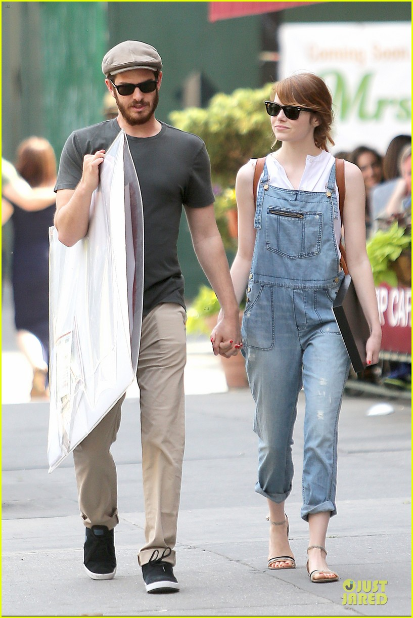 emma stone looks trendy in overalls andrew garfield 063140784