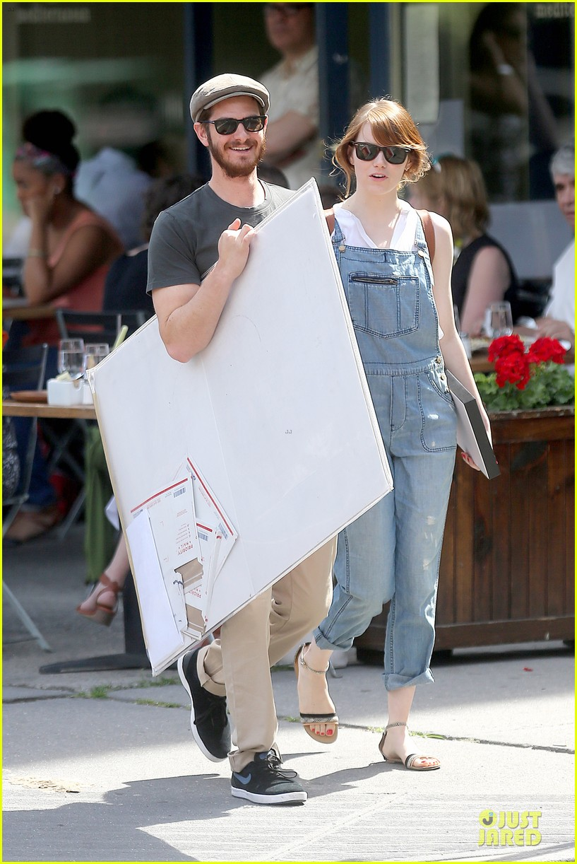 emma stone looks trendy in overalls andrew garfield 14