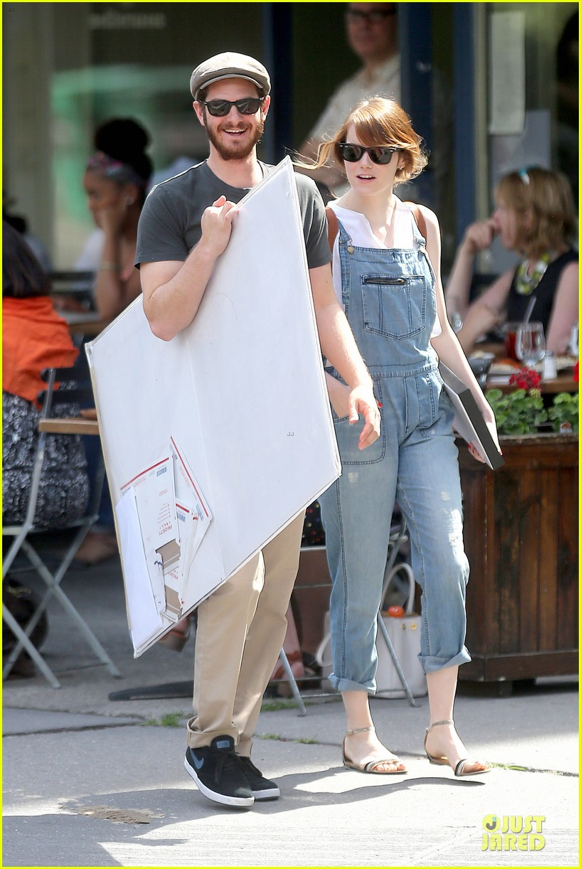 emma stone looks trendy in overalls andrew garfield 17