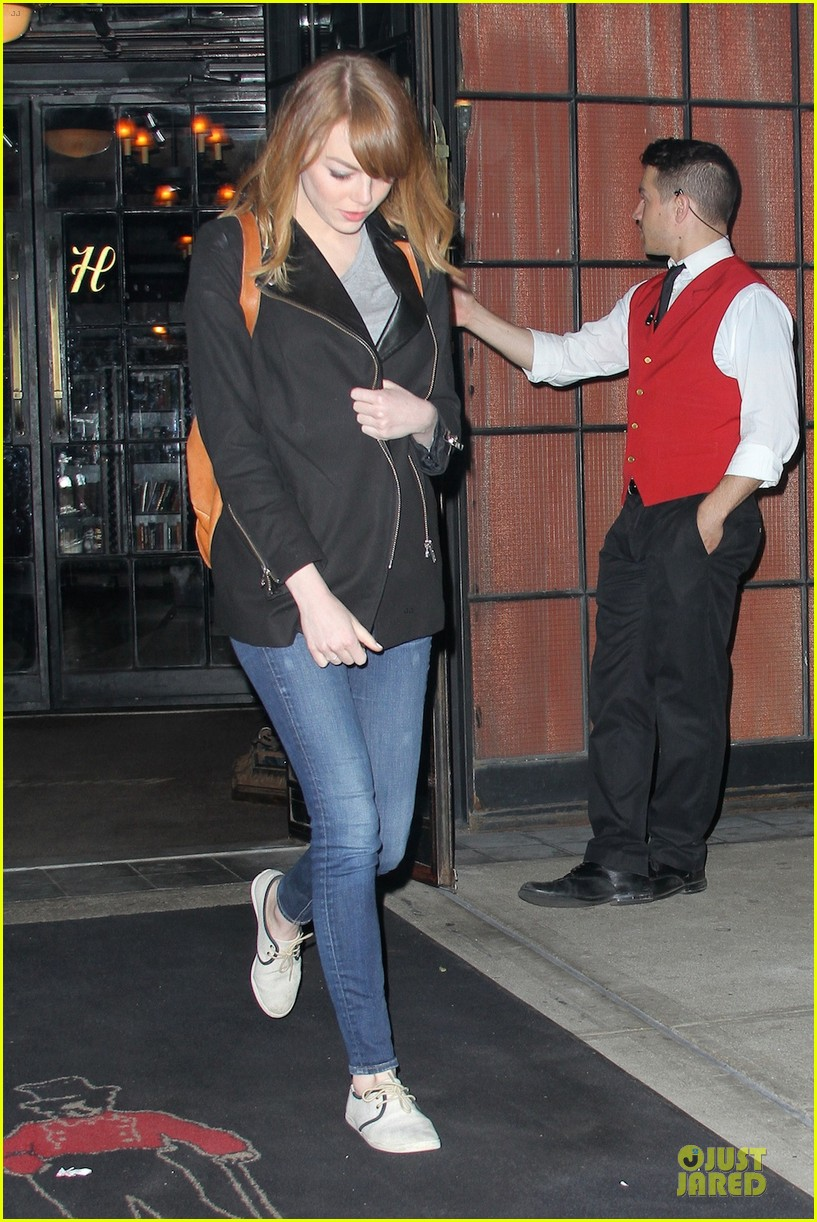 emma stone andrew garfield land in los angeles separately 053125460