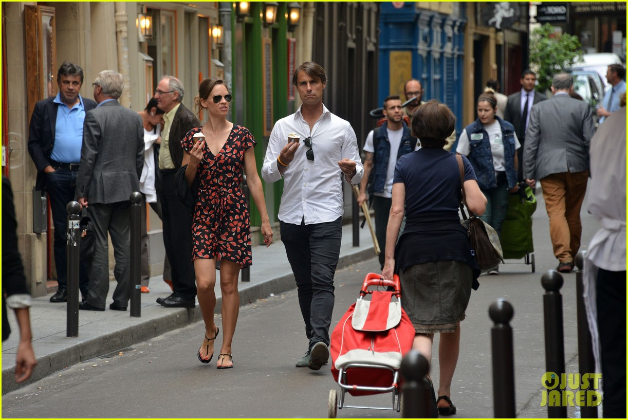 hilary swank boyfriend laurent fleury cool down glace 153134437