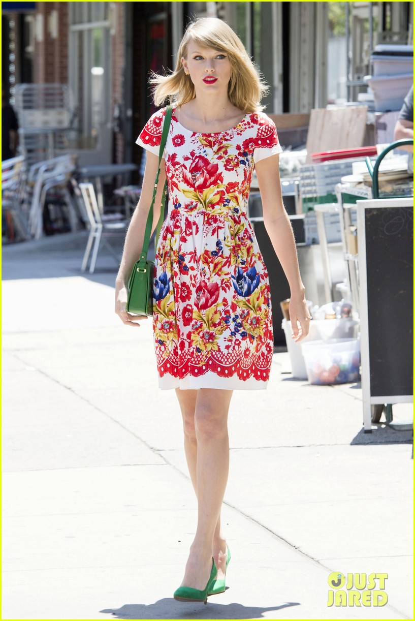 taylor swift wildflower dress young fans nyc 12