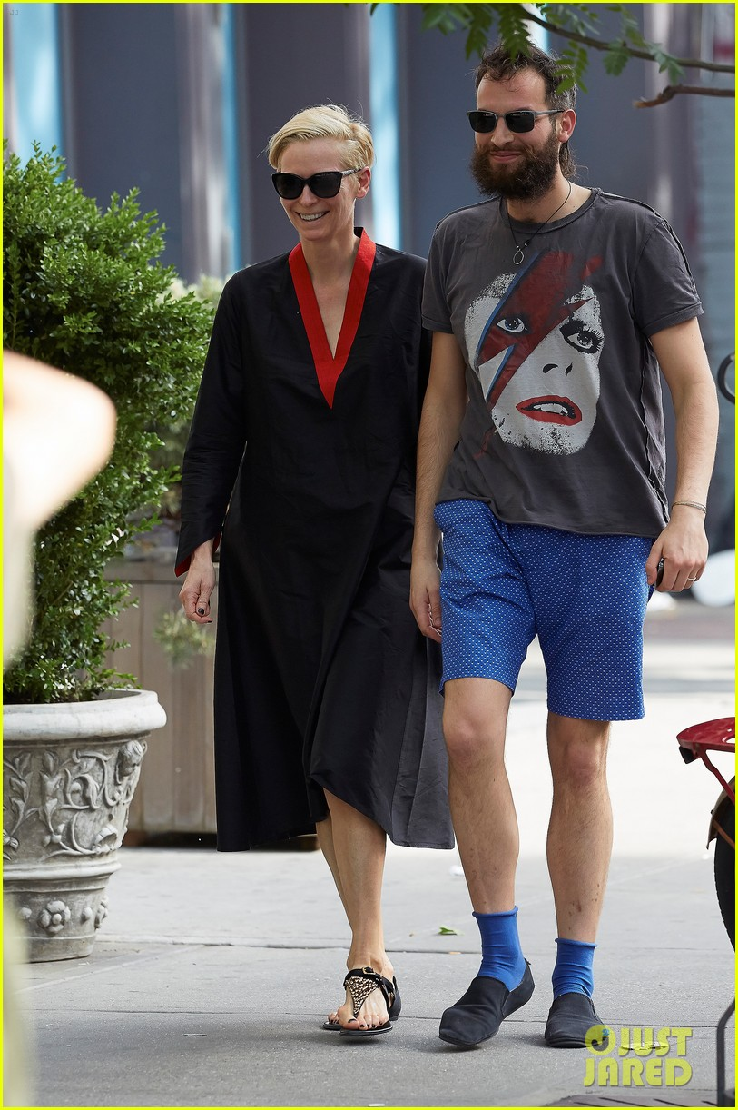 tilda swinton ditches her makeover for day out with sandro kopp 033132495