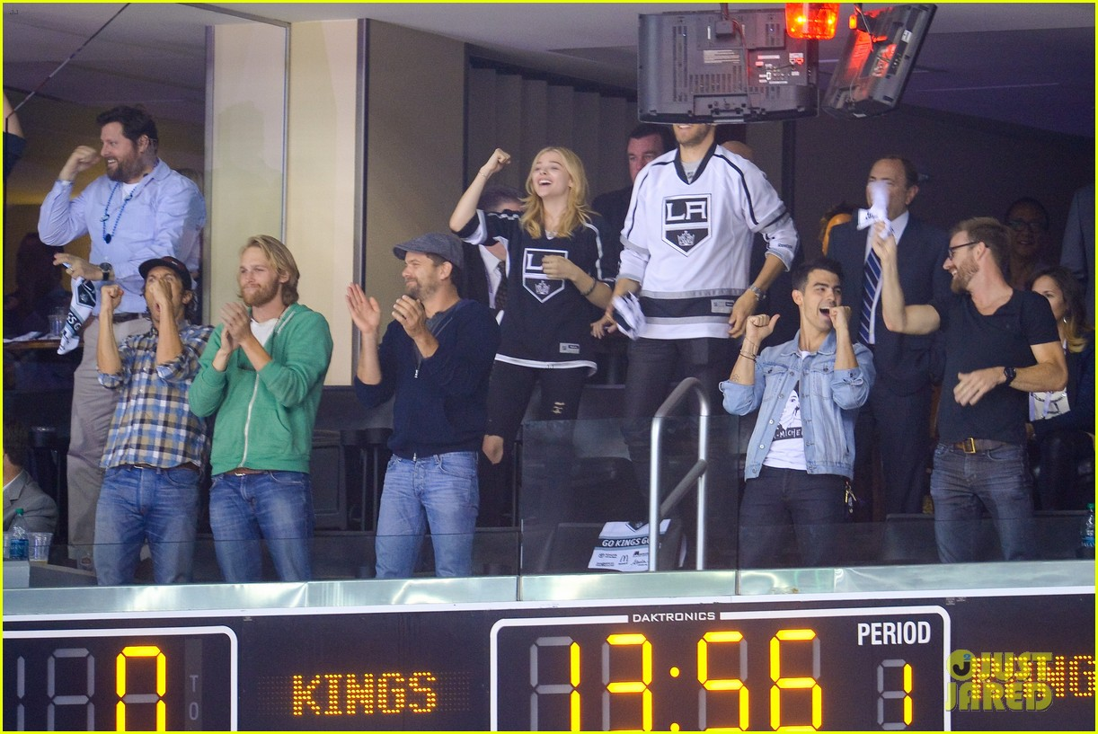 channing tatum joshua jackson chloe moretz kings game 06