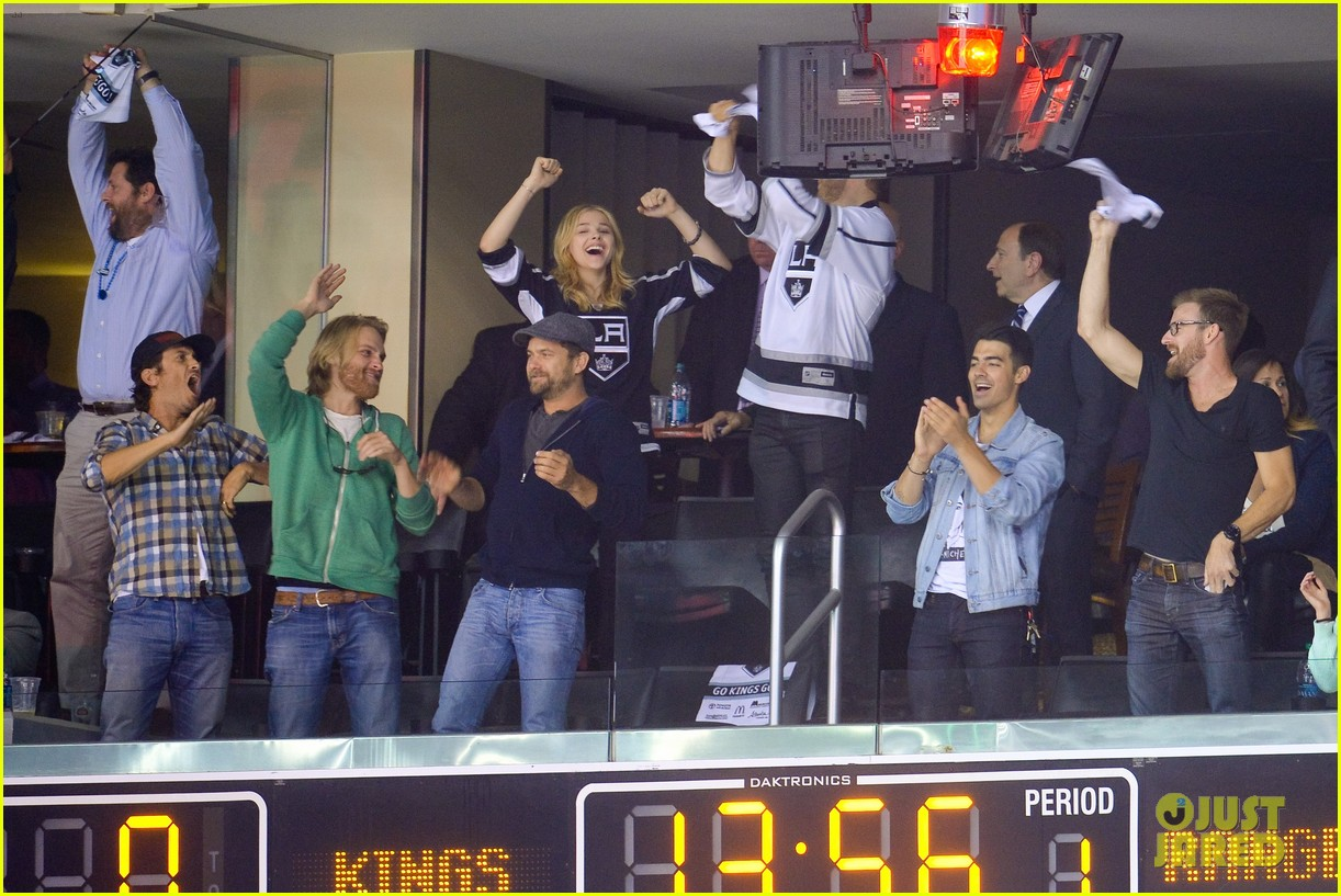 channing tatum joshua jackson chloe moretz kings game 08
