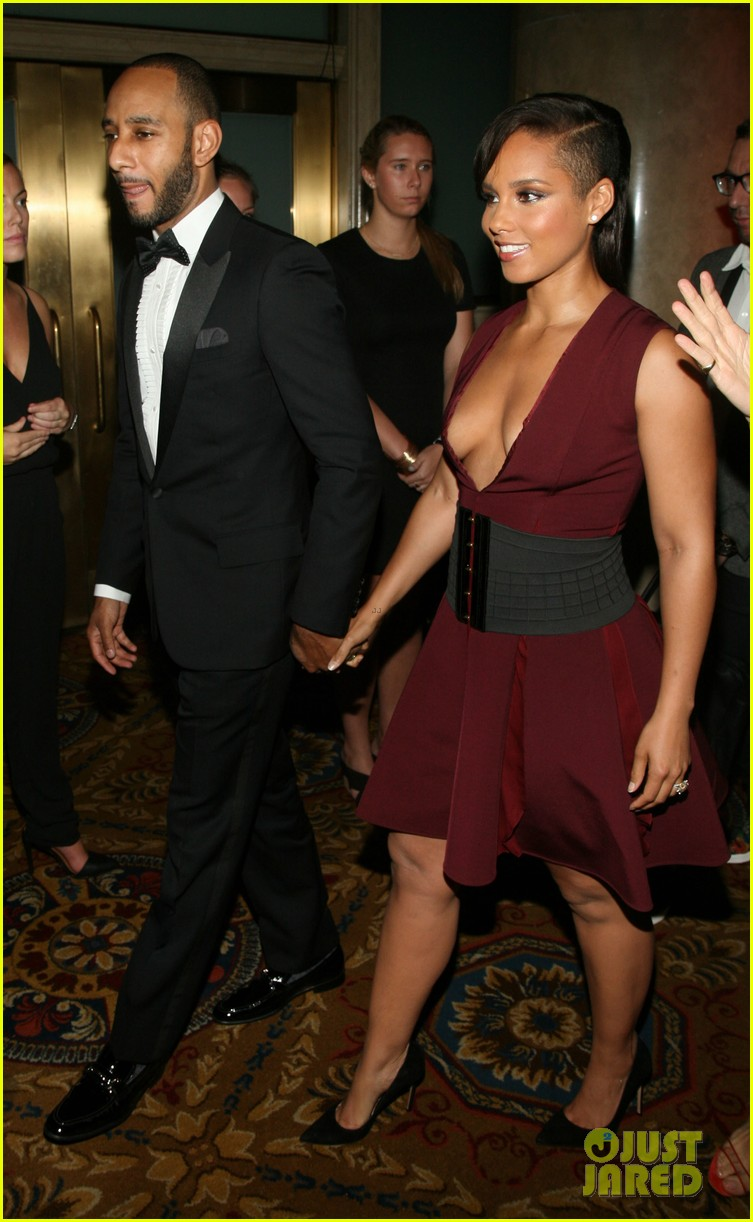 chrissy teigen alicia keys are dressed to the nines for gordon parks 043127939