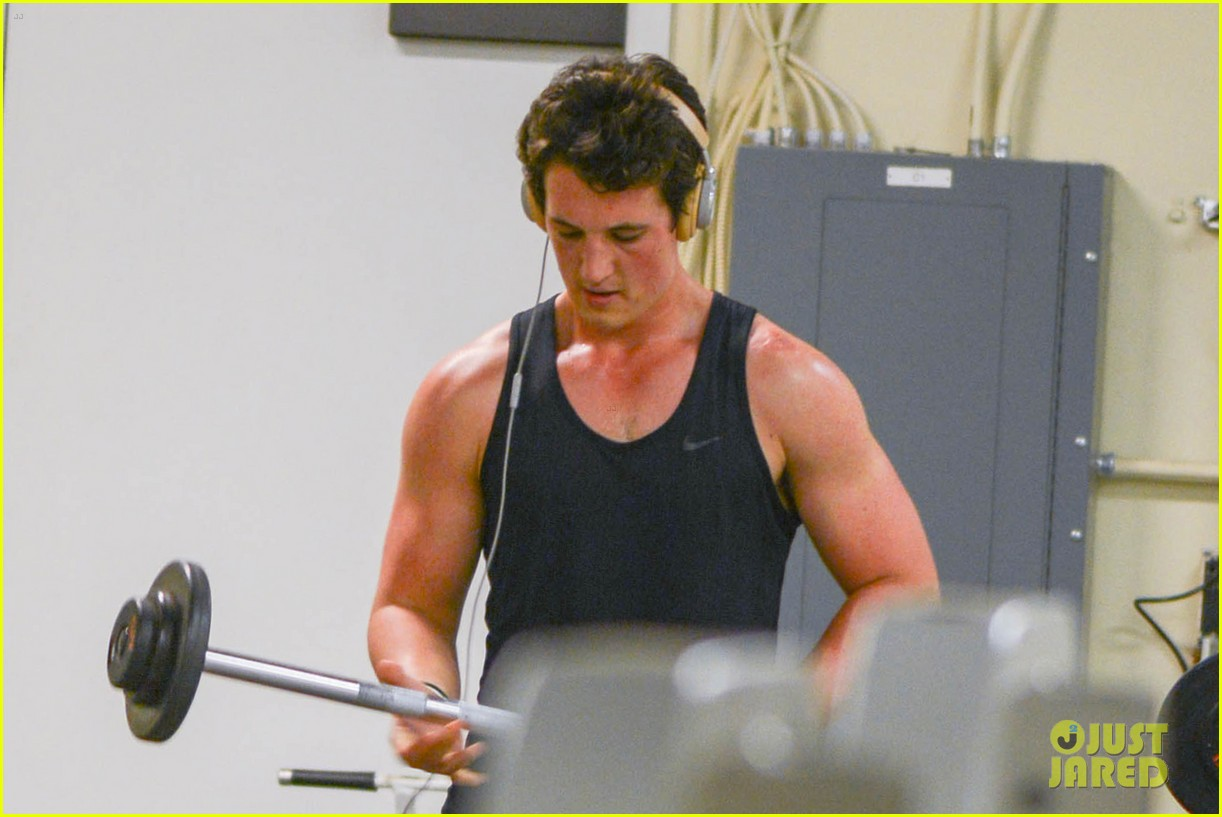 theo james reads tfios miles teller workout 02
