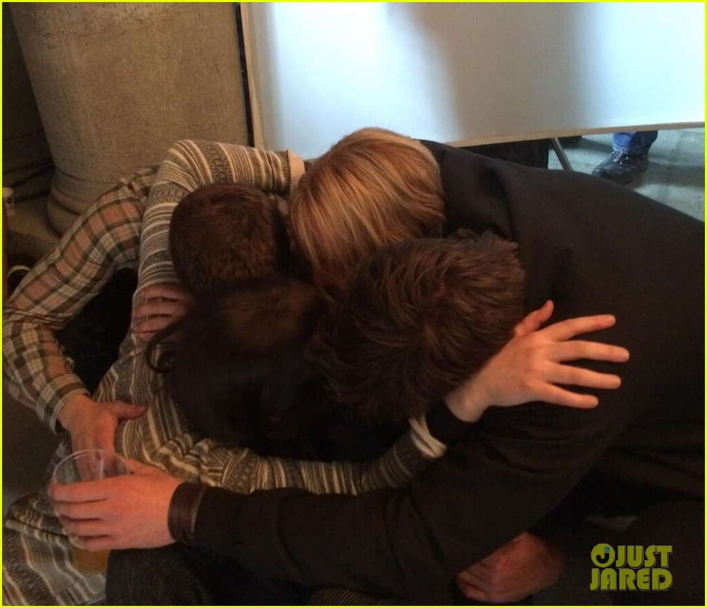 jennifer lawrence josh hutcherson liam hemsworth mockingjay hug 013141253