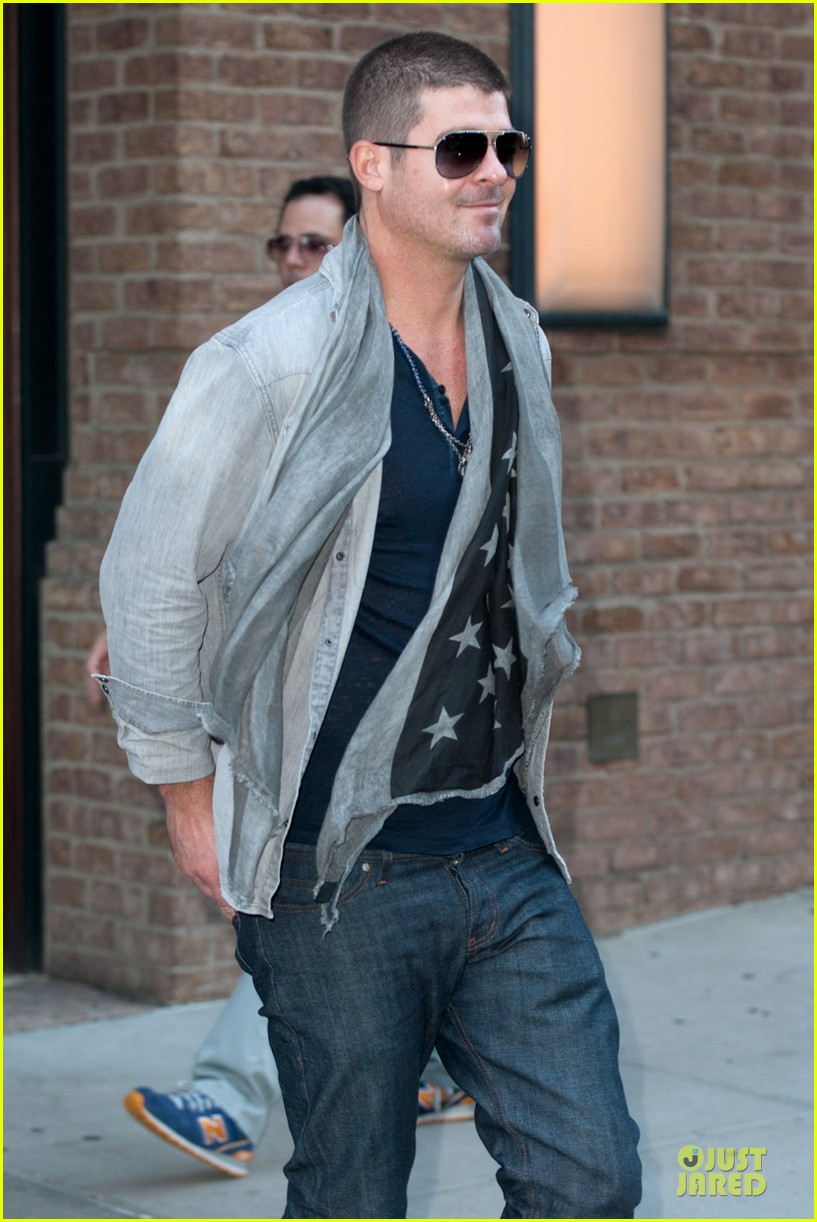 robin thicke pharrell williams support walmart 26