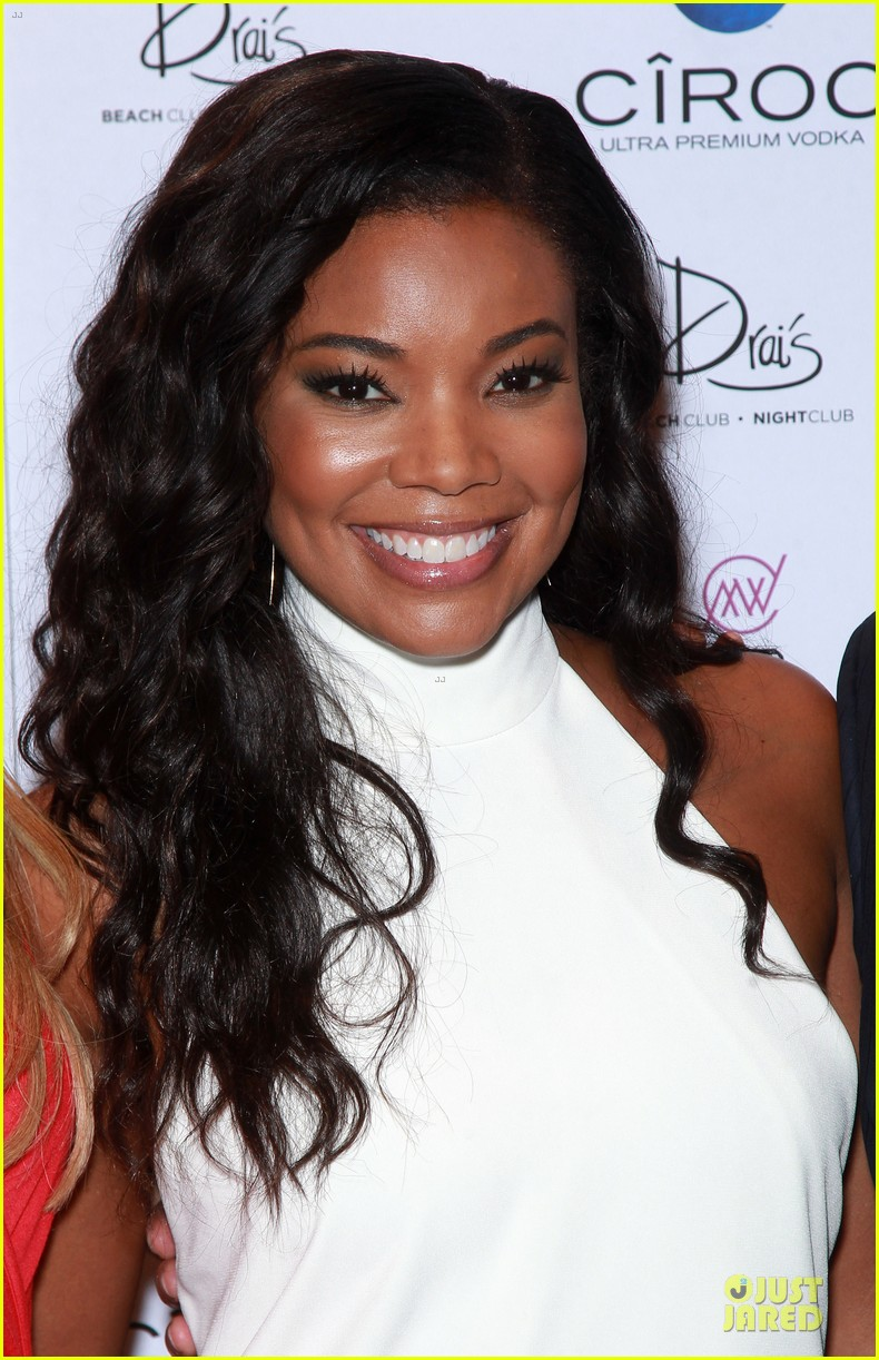 gabrielle union sexy back at vegas cover party 16