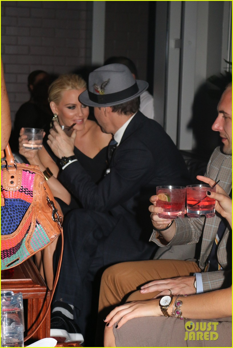 donnie wahlberg jenny mccarthy wedding wont be lavish 01