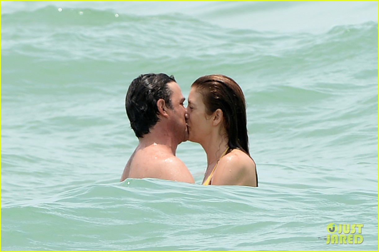kate walsh makeout boyfriend vacation 043136197