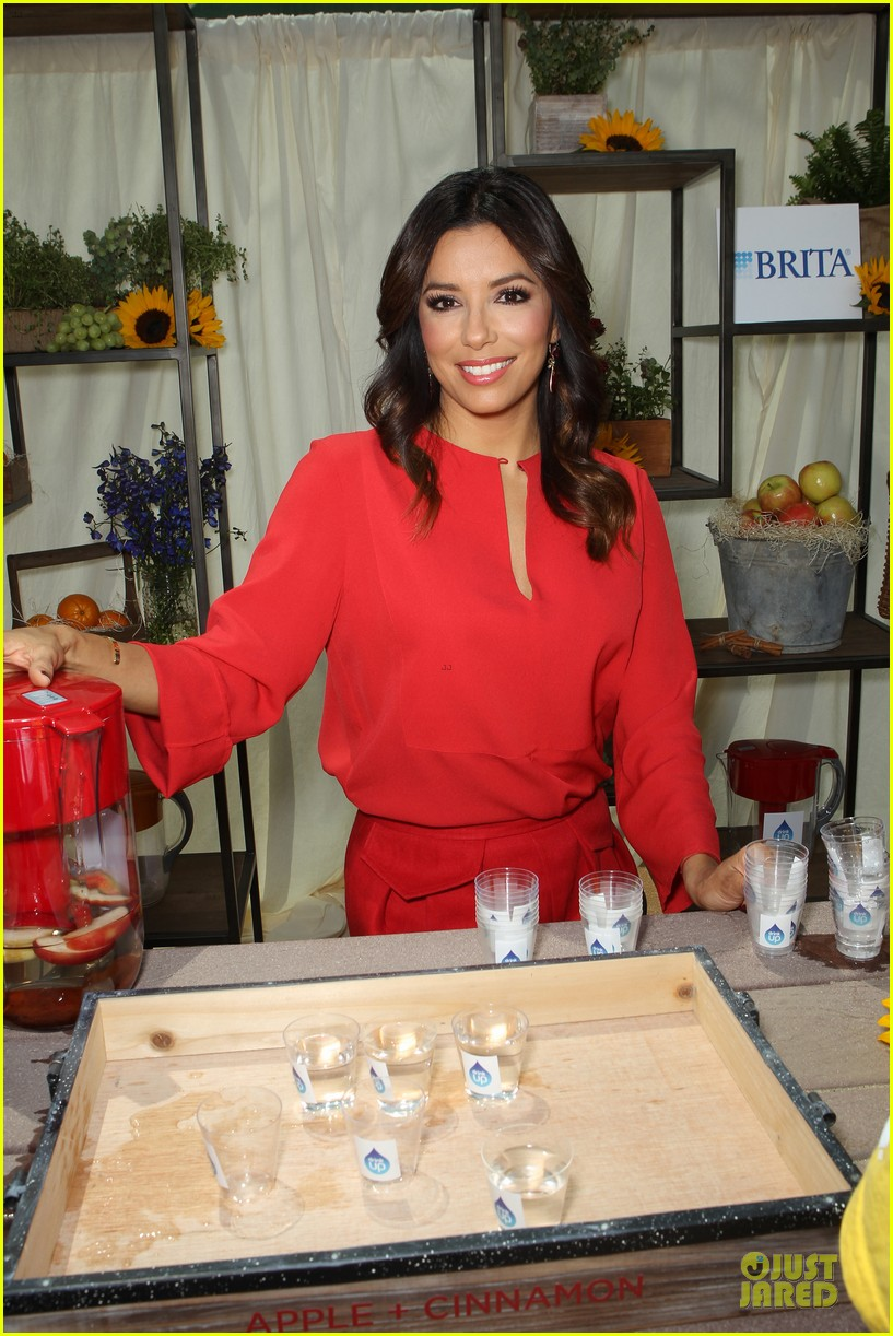kerry washington eva longoria crystal lucy awards 2014 063133637