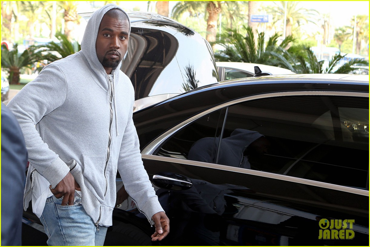 kim kardashian lands in nice while kanye west flies out 11