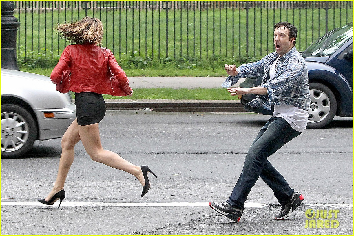 jason sudeikis margarita levieva get in physical fight 113133324