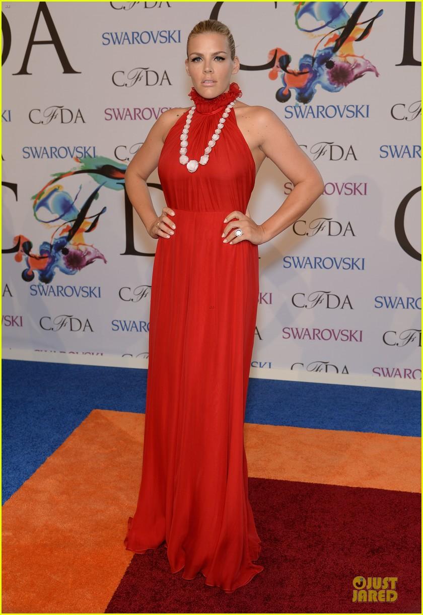 olivia wilde keri russell black at cfda awards 2014 073126827