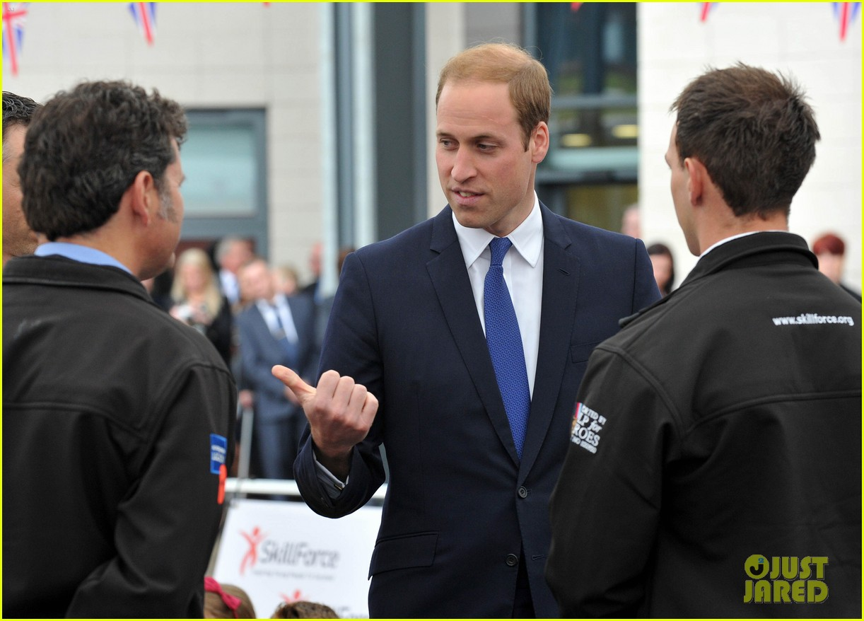 prince william tells students he likes coldplay linkin park 023128728