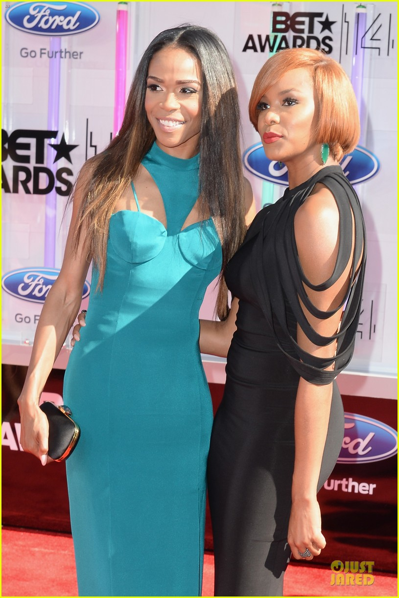michelle williams letoya luckett bet awards 2014 023146520
