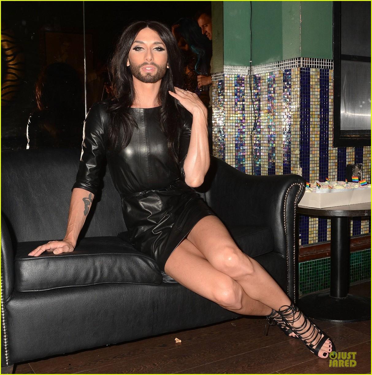 conchita wurst makes statement on love respect tolerance 06