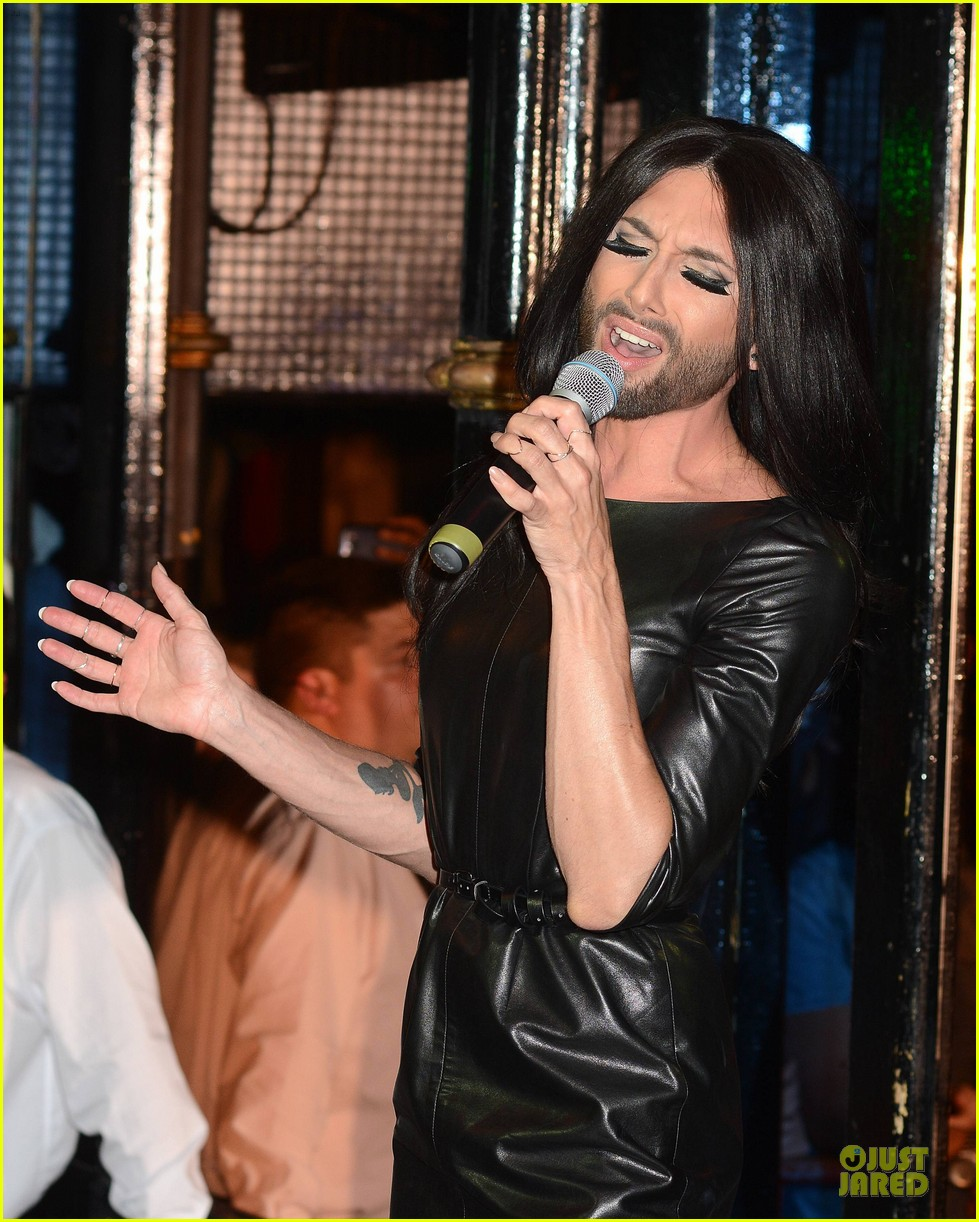 conchita wurst makes statement on love respect tolerance 14