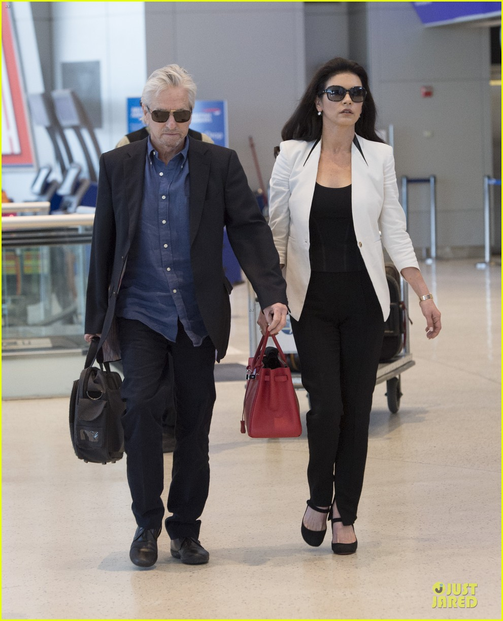 catherine zeta jones michael douglas things are great 083126737