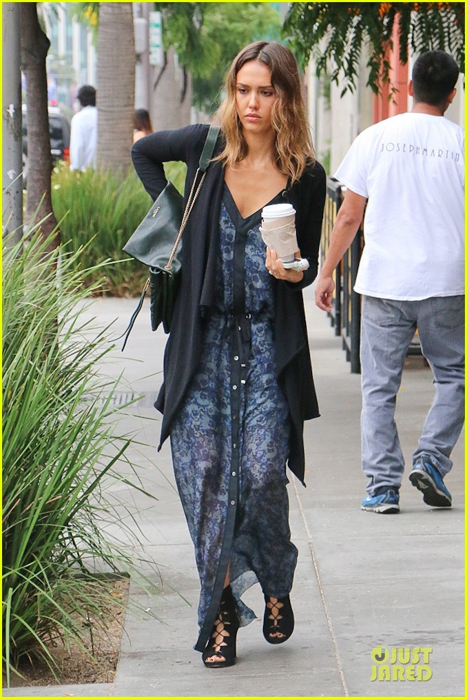 jessica alba spreads positivity on the internet watch now 043148089