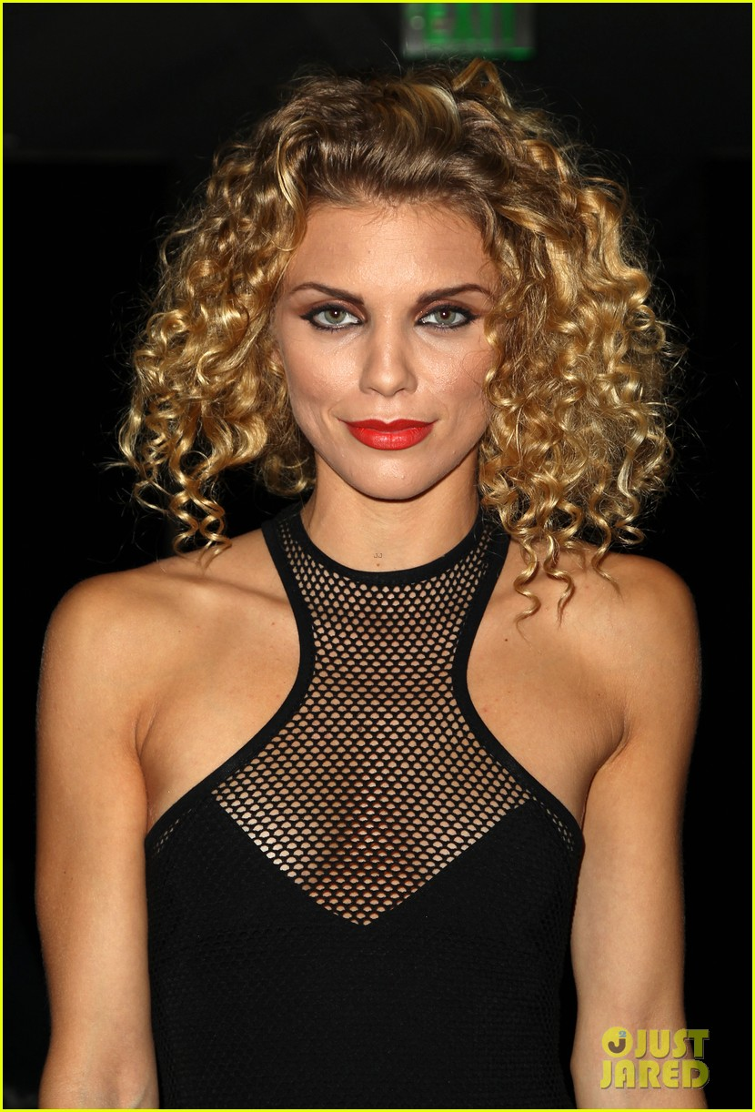 annalynne mccord curls loose stars stripes charity 03