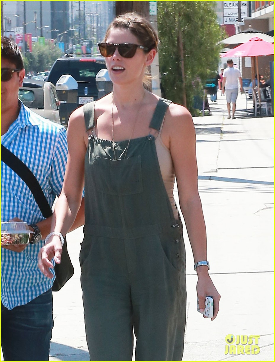 ashley greene wears overalls lunch 09